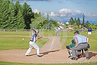 Klar swing för baseballsmet till Redaktionell Arkivbild