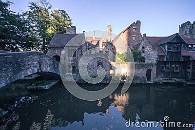 Klassiska sikt av Bruges (Belgien)