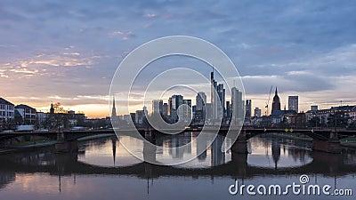 Klatka czasowa - scena Frankfurtu o zachodzie słońca zbiory wideo