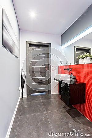 kleine zeitgen ssische toilette stockfoto bild 47380707. Black Bedroom Furniture Sets. Home Design Ideas