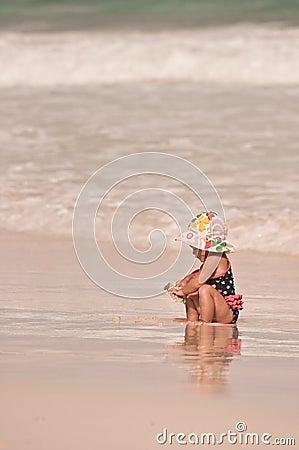 Kleines Mädchen-großer Ozean