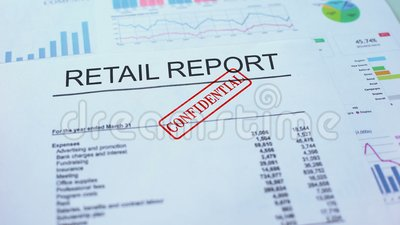 Kleinhandels vertrouwelijk rapport, hand het stempelen verbinding over officieel document, statistieken stock videobeelden