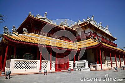 Knall-Schmerz Royal Palace