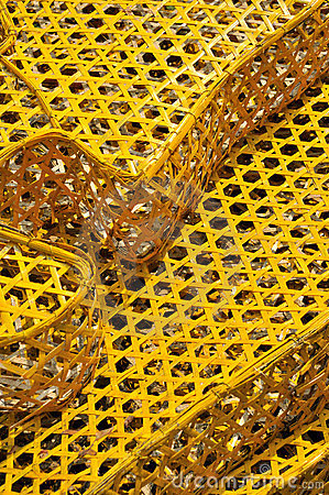 Knitted cage surface