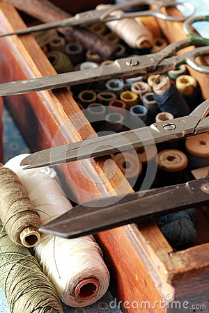 Free Knitting Box With Many Thread Tools And Scissors Stock Photography - 91075812