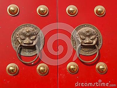 Knocker door