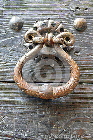 Free Knocker On The Door Royalty Free Stock Photography - 44469387