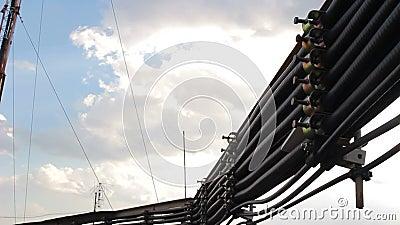 Koaxialkabel, das direkt zur Antenne geht stock video