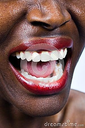 Kobieta krzyczała afrykański