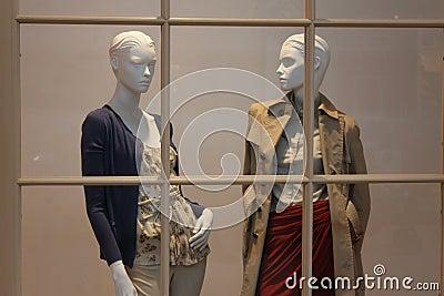 Kobieta sklep odzieżowy