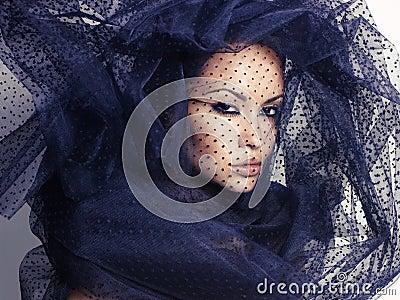 Kobieta z przesłoną