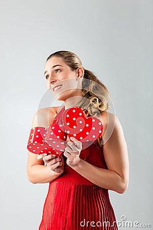 Kobiety otwarcie teraźniejszy dla valentines dnia