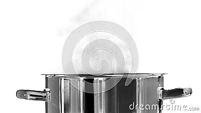 kochendes wasser stock video bild von aluminium wanne 35846632. Black Bedroom Furniture Sets. Home Design Ideas