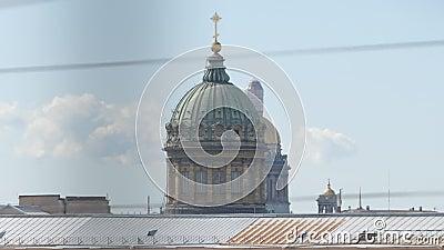 Koepels van Kazan en van Isaac Kathedralen stock video