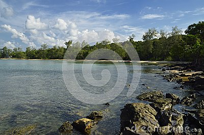 Koh Tah Kiev Island: beach, sea and jungle