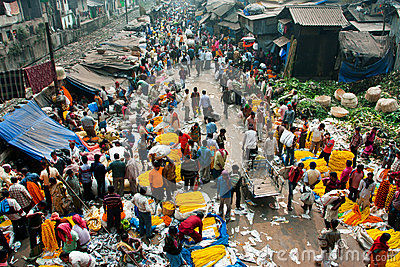 KOLKATA, INDIA: Top view of crowd of customers and sellers of Mullik Ghat Flower Market Editorial Photo