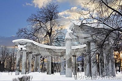 Kolonada Apollo in Pavlovsk