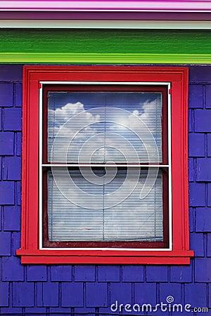 Kolorowy zewnętrzny okno