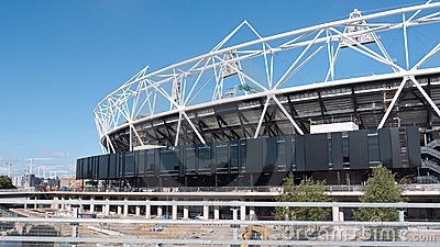 Konstruktionslondon olympic stadion under Redaktionell Bild