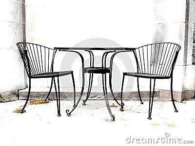 Kontrastreiche Stühle