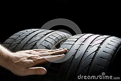 Kontrollera gummihjul