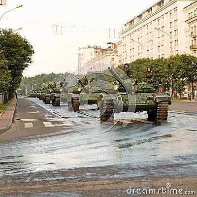 Konvooi van tanks Redactionele Stock Afbeelding