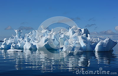 Koralowa góra lodowa