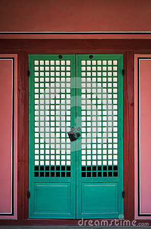 Free Korean Tradition Wooden Door Royalty Free Stock Image - 56327386