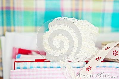 Koronka i tkanina