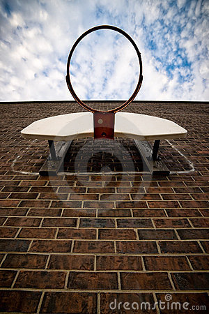 Koszykówki ceglana obręcza ściana
