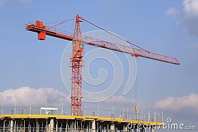 Kraan over bouwterrein