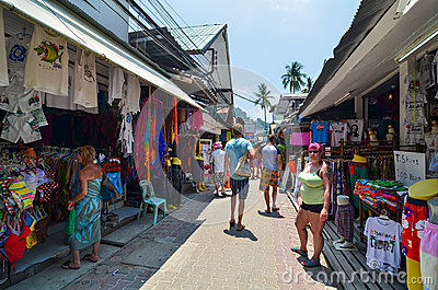 KRABI,THAILAND - APRIL 14, 2014 : The tourist visit small touris Editorial Stock Image