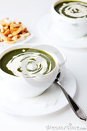Kremowy zupny szpinak