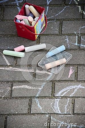 Kritakonst på trottoaren
