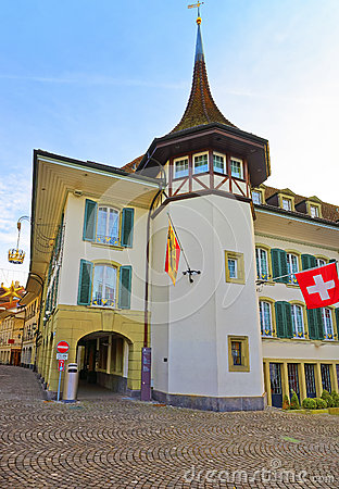 Free Krone Hotel And Flags In Town Hall Square Of Thun Stock Images - 66376854
