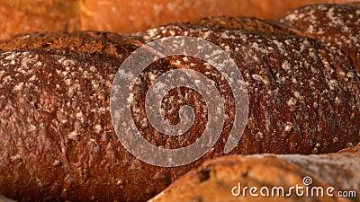 Krossdelar av bröd, nybakade lager videofilmer