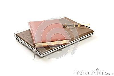 Książkowi szkła odizolowywający nutowy biel