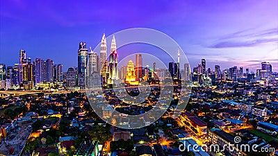 Kuala Lumpur Cityscape Landmark Travel-Ort von Tag Malaysias 4K zum Nachtzeit-Versehen stock video footage