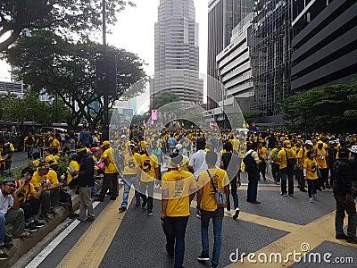 KUALA LUMPUR, MALAYSIA - 19 NOV 216: Thousands of Bersih 5 protesters on the KLCC city area. Editorial Image
