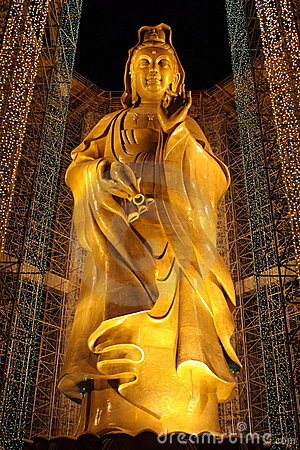 Free Kuan Yin Statue Stock Image - 8733171