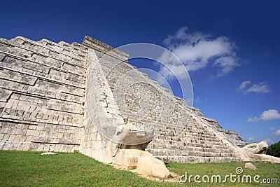 Kukulcan Mayan pyramid, Mexico