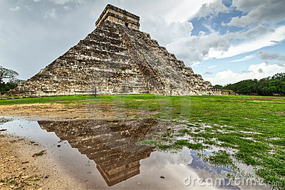 Kukulkan pyramid with pool reflection