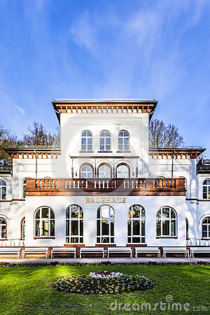 Free Kurhaus With Scenic Park In Bad Soden Royalty Free Stock Photography - 49364427