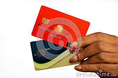 Kvinna med kreditkortar