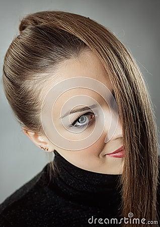 Kvinna med rakt långt hår