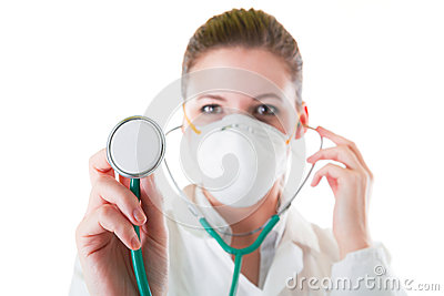 Kvinnligt manipulera maskerar in med det spetsiga stetoskopet