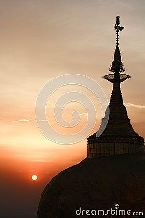 Kyaikhtiyo gold pagoda Stock Photo