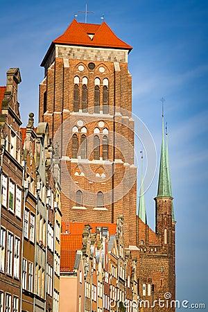 Kyrka för St. Marys i gammal town av Gdansk