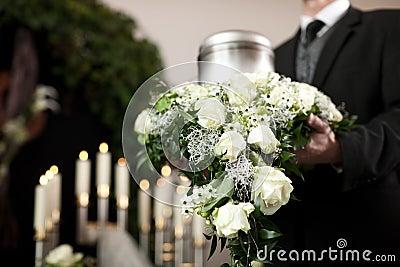 Kyrkogårdbegravningsorg