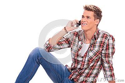Läggande och tala på telefonen